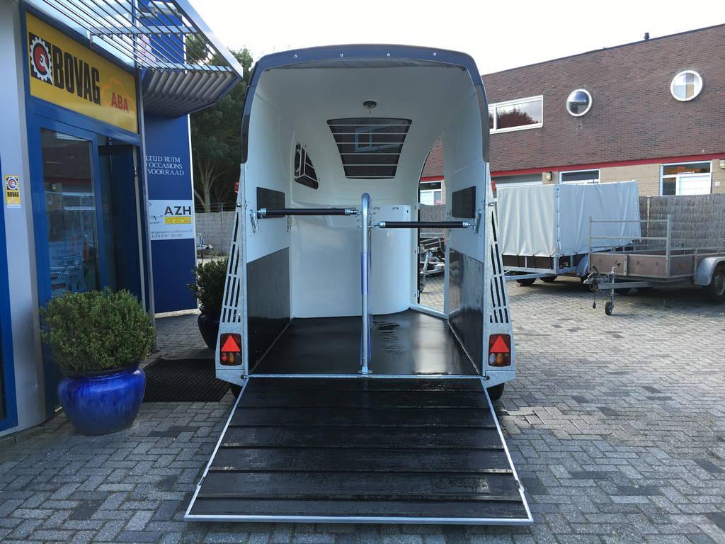 Bucker Careliner poly 2 paards trailer paardentrailers Aanhangwagens Zuid-Holland 2.0 achter open