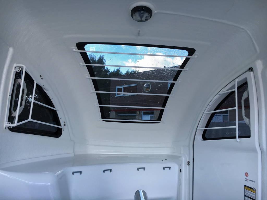 Bucker Careliner poly 2 paards trailer paardentrailers Aanhangwagens Zuid-Holland 2.0 panorama