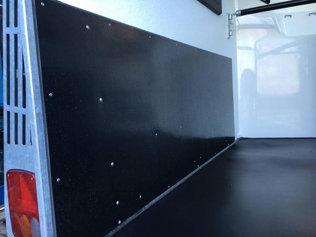 Bucker Careliner poly 2 paards trailer paardentrailers Aanhangwagens Zuid-Holland 2.0 vloer