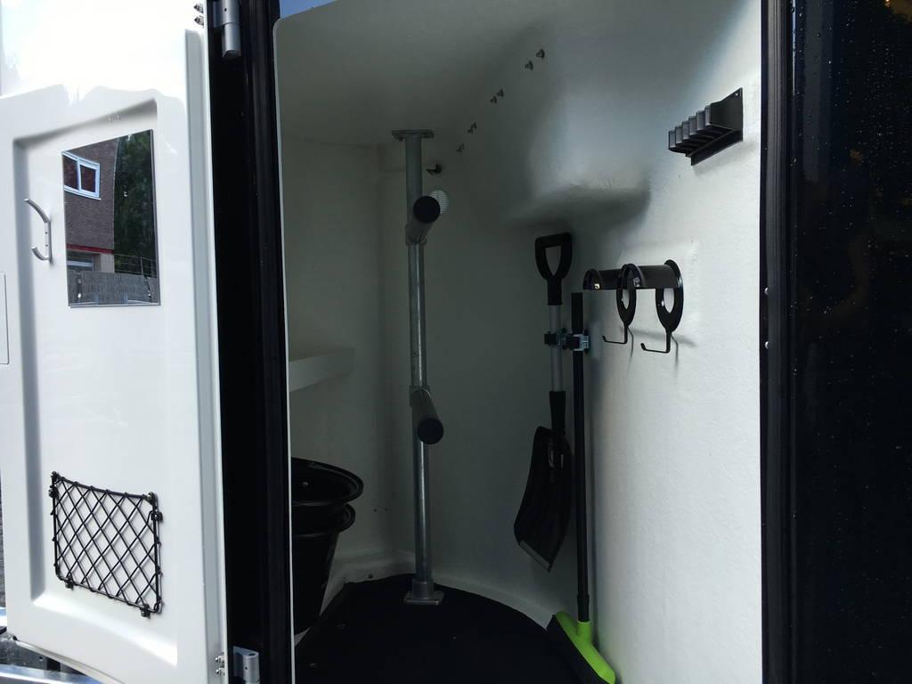 Bucker Careliner poly 2 paards trailer paardentrailers Aanhangwagens Zuid-Holland 2.0 zadelkamer