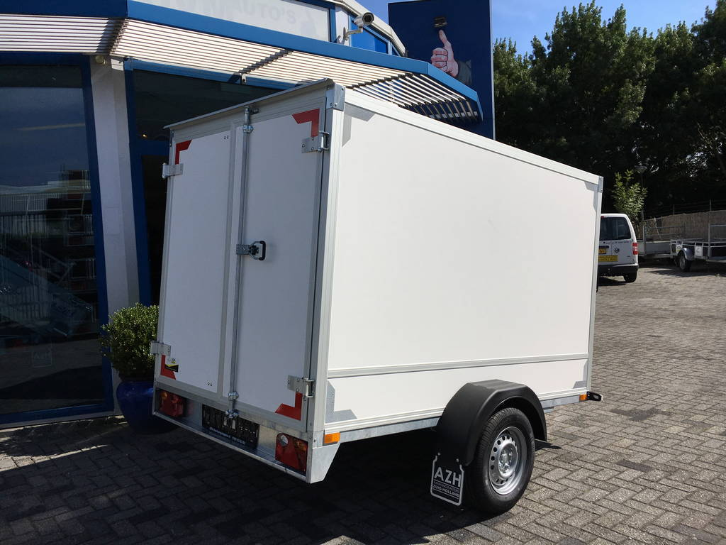 Easyline gesloten 251x153x147 750kg Aanhangwagens Zuid-Holland achterkant dicht 2.0