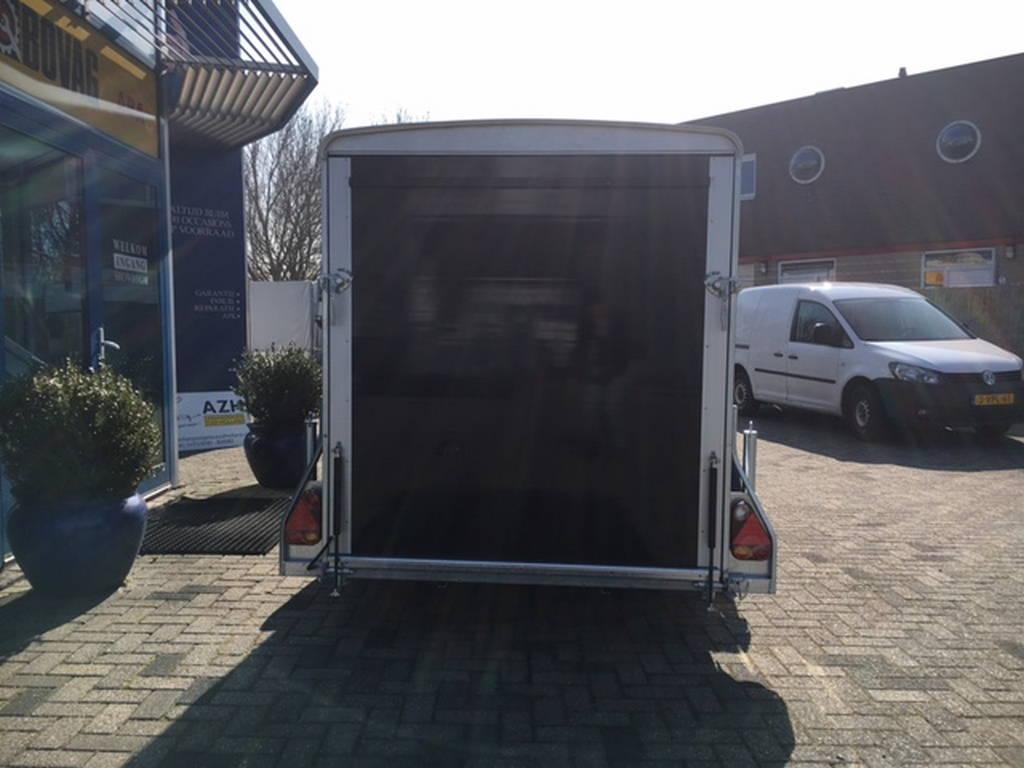 Easyline gesloten 300x151x170cm Aanhangwagens Zuid-Holland achterkant gesloten