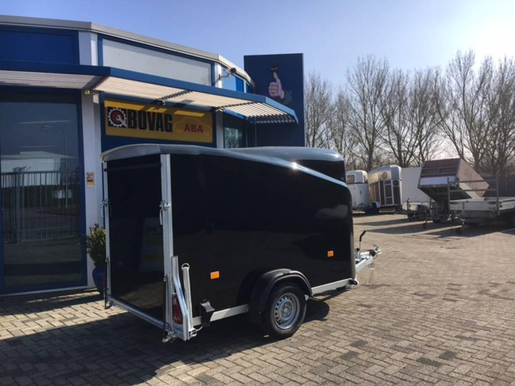 Easyline gesloten 300x151x170cm Aanhangwagens Zuid-Holland zijkant gesloten