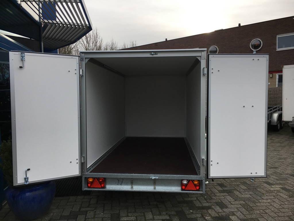 easyline-gesloten-303x147x150cm-750kg-aanhangwagens-zuid-holland-achterkant-open-2-0