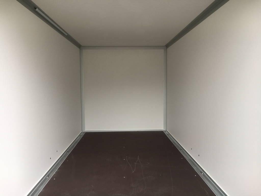 easyline-gesloten-303x147x150cm-750kg-aanhangwagens-zuid-holland-binnenkant-2-0