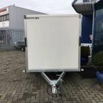 easyline-gesloten-303x147x150cm-750kg-aanhangwagens-zuid-holland-voorkant-2-0