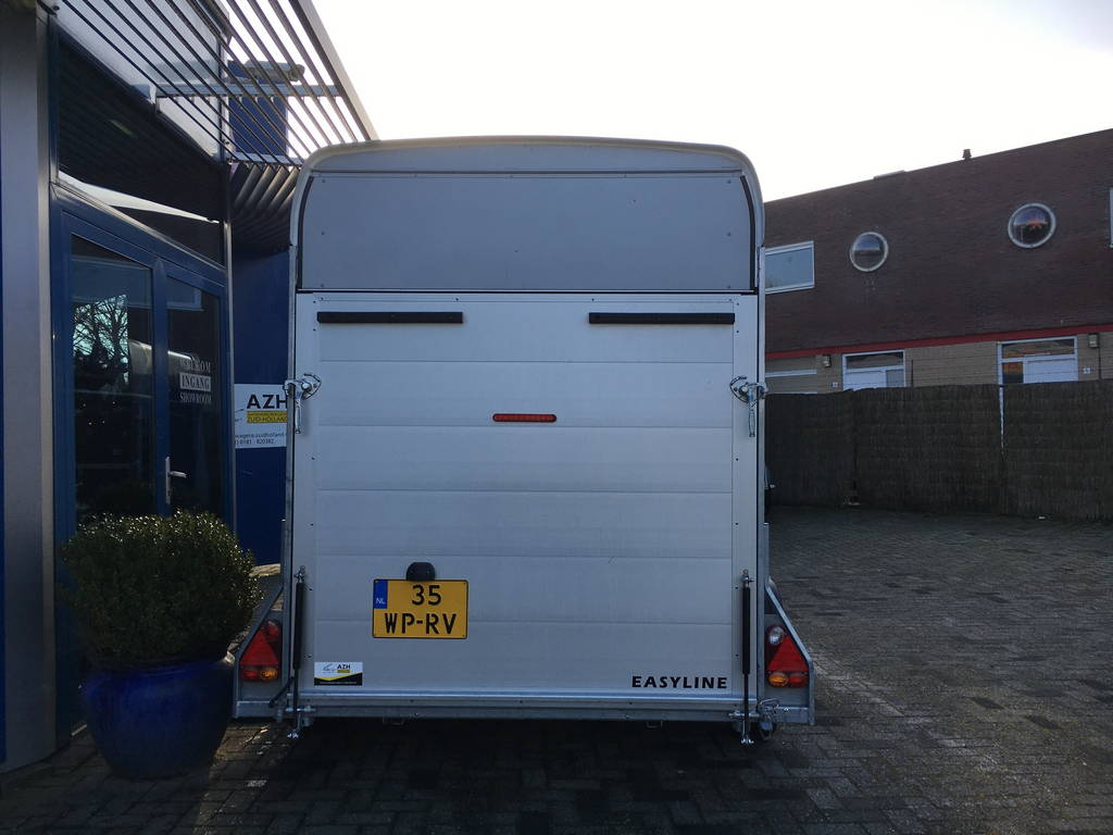 easyline-gesloten-313x166x200cm-aanhangwagens-zuid-holland-achterkant-gesloten-3-0
