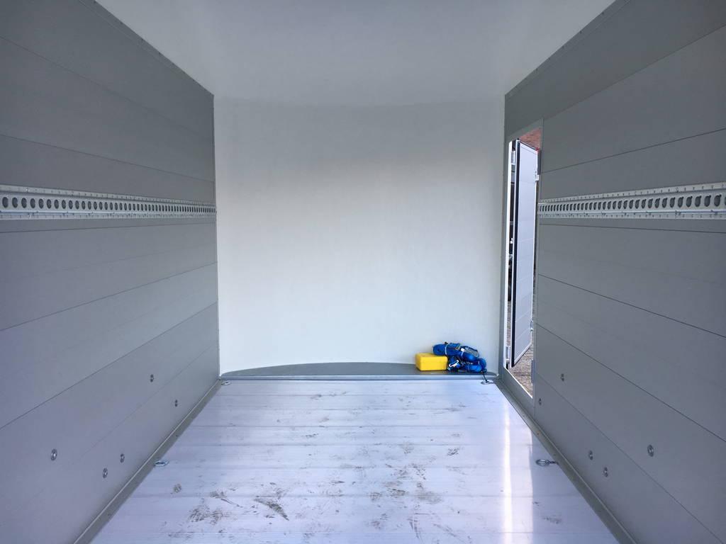 easyline-gesloten-313x166x200cm-aanhangwagens-zuid-holland-binnenkant-3-0