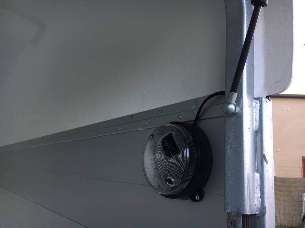 easyline-gesloten-313x166x200cm-aanhangwagens-zuid-holland-verlichting-3-0