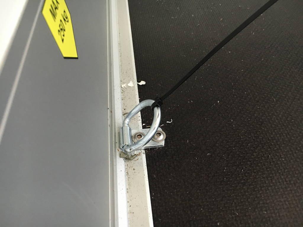 Easyline gesloten aanhanger 302x150x195cm 1300kg Aanhangwagens Zuid-Holland 2.0 bindogen