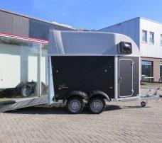 humbaur-single-plywood-15-paards-trailer-aanhangwagens-zuid-holland-achterklep-overzicht-2-0