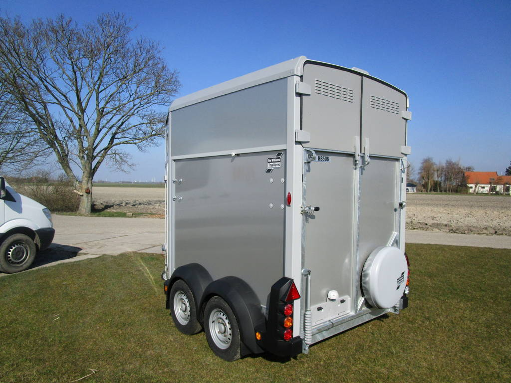 Ifor Williams HB506 2 paards trailer Aanhangwagens Zuid-Holland achterkant