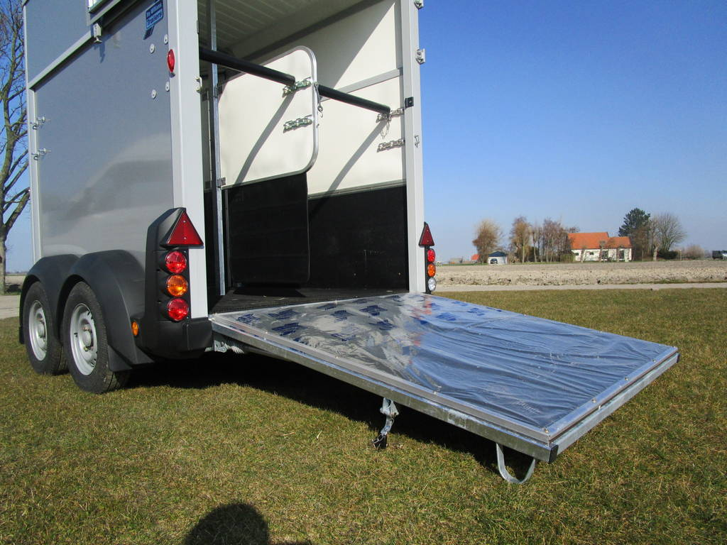 Ifor Williams HB506 2 paards trailer Aanhangwagens Zuid-Holland klep