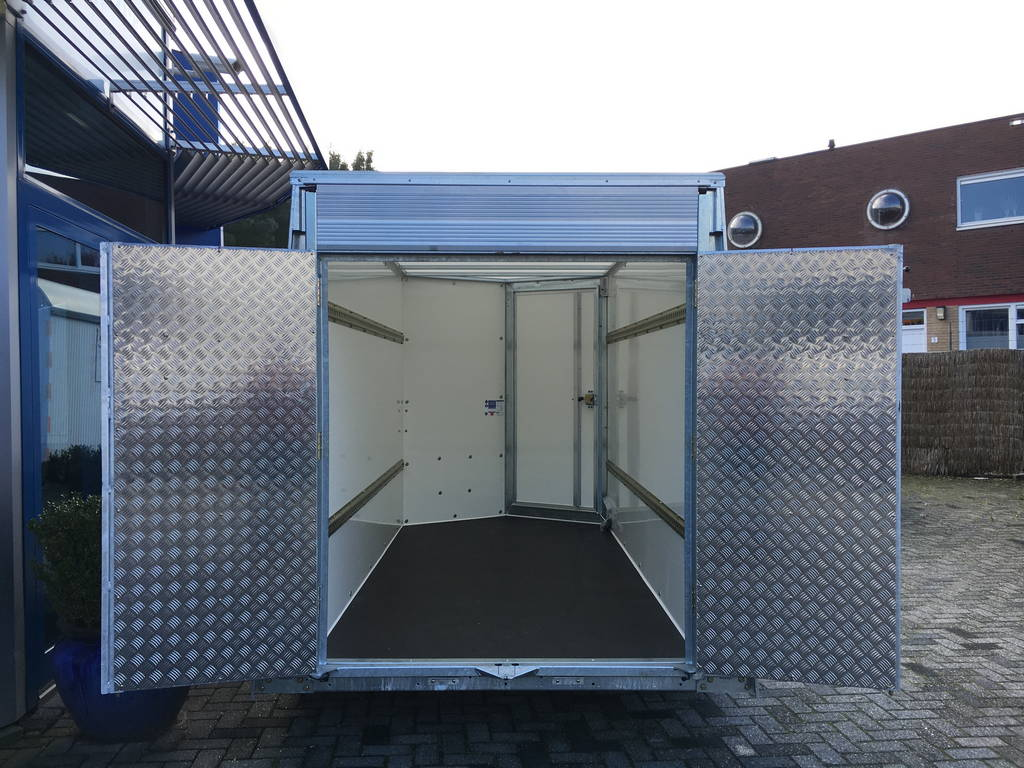 ifor-williams-gesloten-303x147x183cm-aanhangwagens-zuid-holland-klepdeuren-2-0
