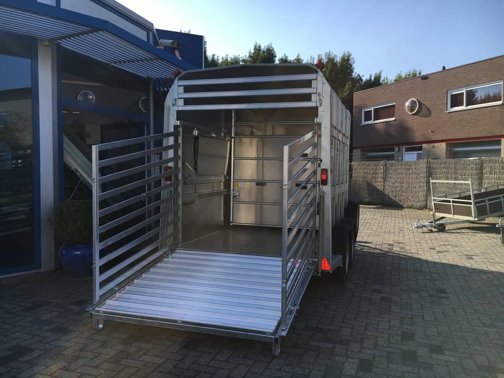 Ifor Williams veetrailer 304x156x183cm Aanhangwagens Zuid-Holland achterkant open 2.0