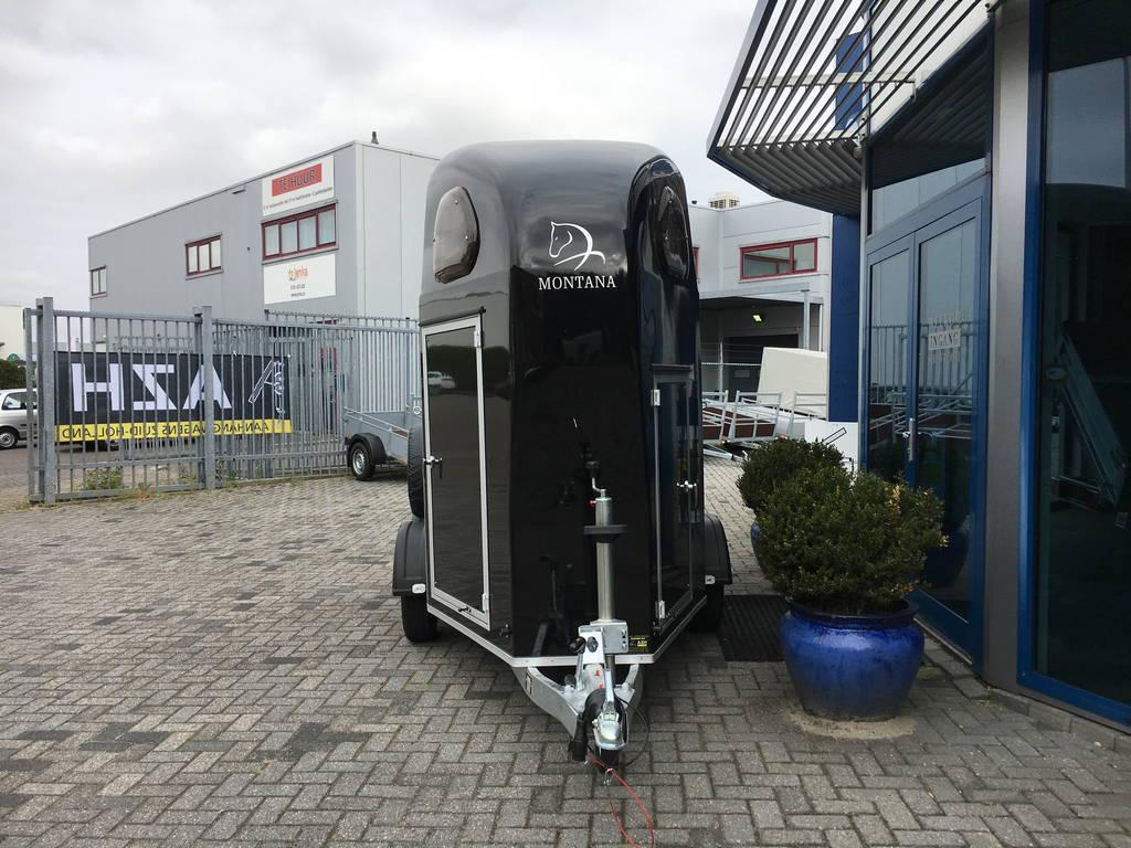 montana-alu-poly-15-paards-trailer-paardentrailers-aanhangwagens-zuid-holland-voorkant-2-0