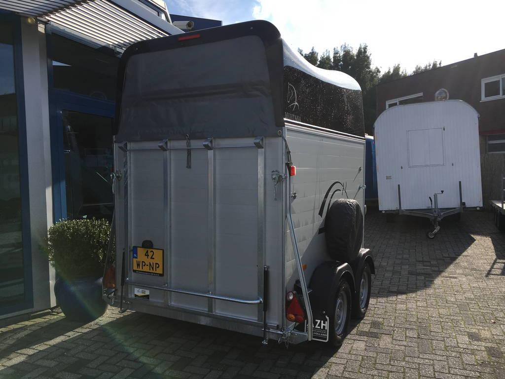 montana-alupoly-2-paards-trailer-paardentrailers-aanhangwagens-zuid-holland-achterkant-gesloten