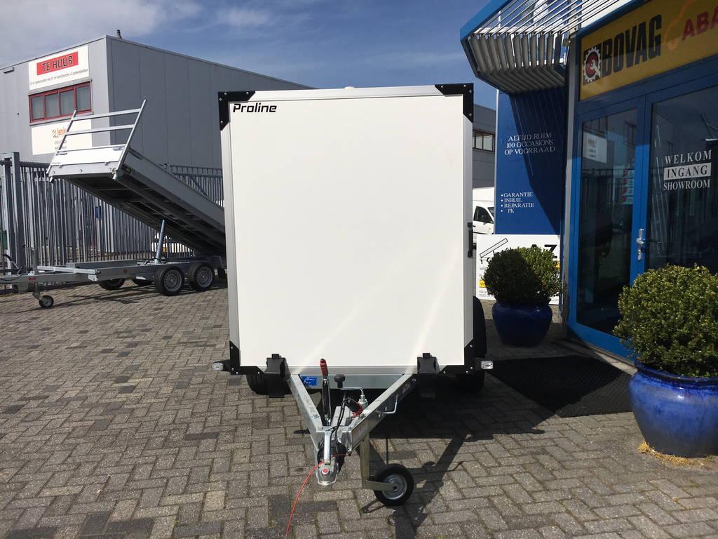 Proline gesloten 251x132x152cm 1300kg Aanhangwagens Zuid-Holland nw voorkant