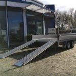 proline-verlaagd-351x185cm-2700kg-plateauwagens-aanhangwagens-zuid-holland-rijplanten-schuin-2-0