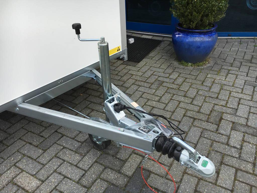 Saris gesloten 306x154x180cm 2000kg Aanhangwagens Zuid-Holland dissel