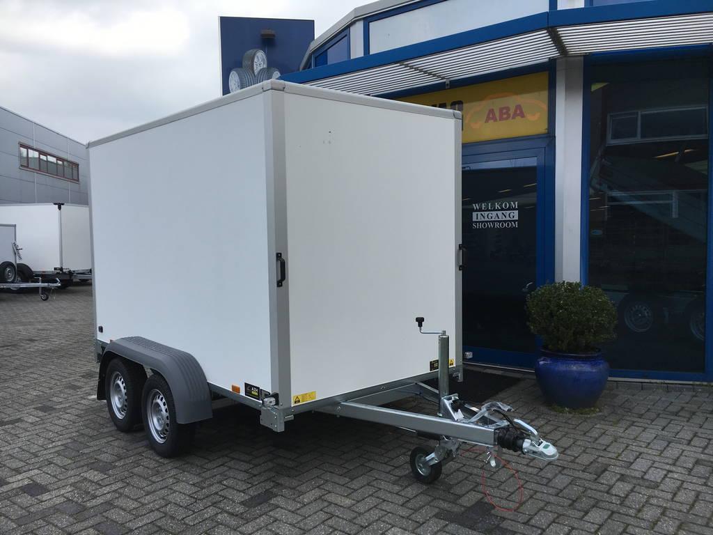 Saris gesloten 306x154x180cm 2000kg Aanhangwagens Zuid-Holland voorkant