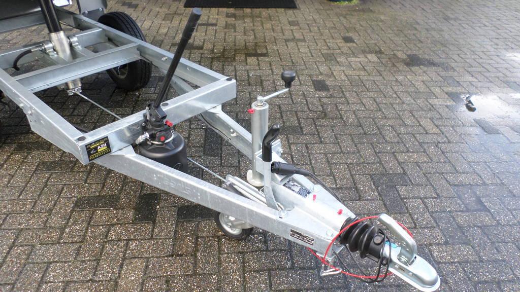 Saris kipper 255x135cm 1400kg kipper Aanhangwagens Zuid-Holland systeem