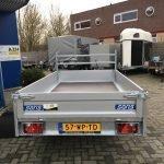 Saris plateau 270x150cm 1350kg plateauwagens Aanhangwagens Zuid-Holland achterkant gesloten