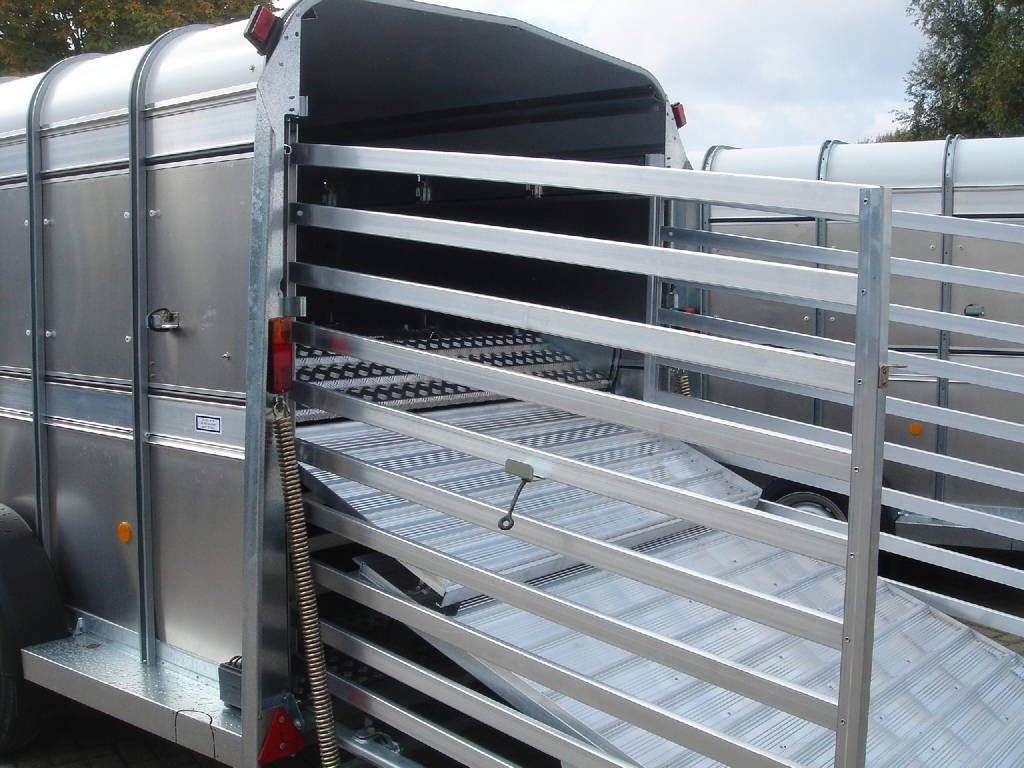 ifor-williams-veetrailer-427x178x213cm-aanhangwagens-zuid-holland-oploopklep-2-0
