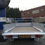 saris-plateau-270x150cm-2000kg-plateauwagens-aanhangwagens-zuid-holland-achterkant-open-2-0