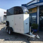 Humbaur Single alu 1,5 paards trailer paardentrailer Aanhangwagens Zuid-Holland 2.0 voorkant