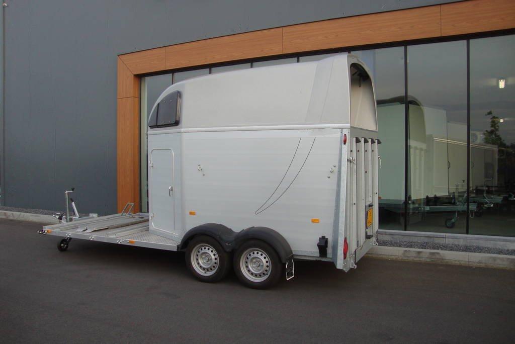 humbaur-xanthos-koetsentrailer-paardentrailers-aanhangwagens-zuid-holland-zijkant