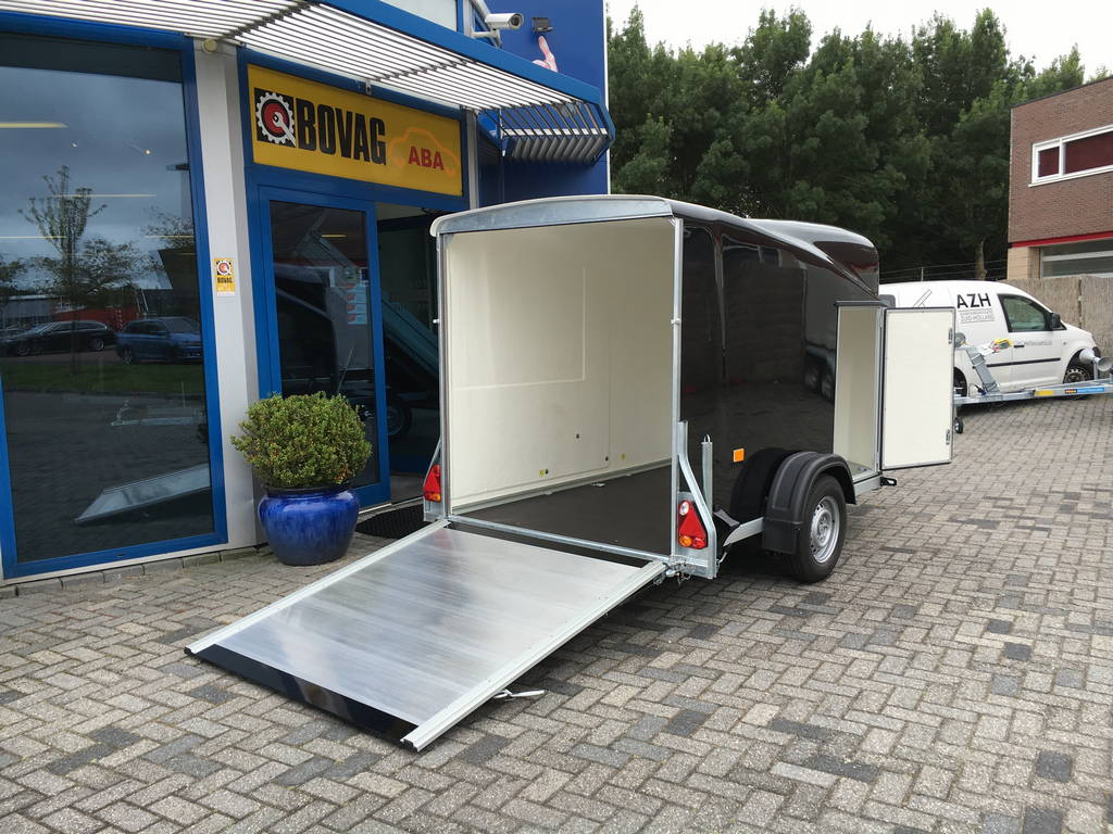 Easyline gesloten motortrailer 300x151x170cm Aanhangwagens Zuid-Holland 2.0 achter open