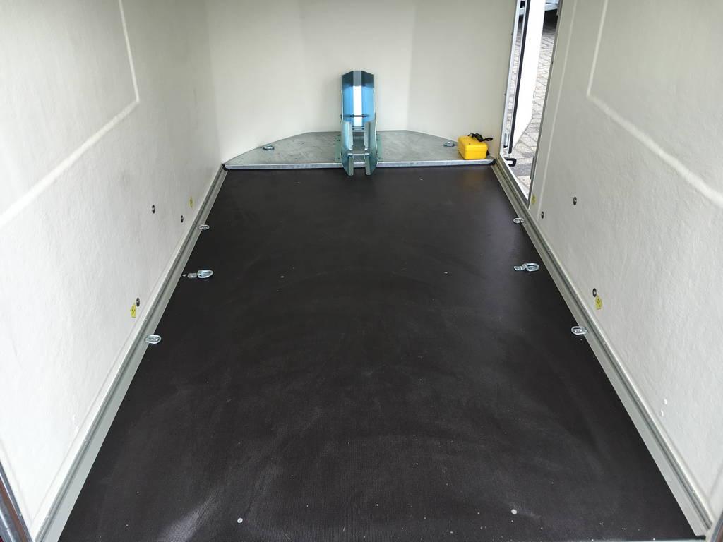 Easyline gesloten motortrailer 300x151x170cm Aanhangwagens Zuid-Holland 2.0 vloer