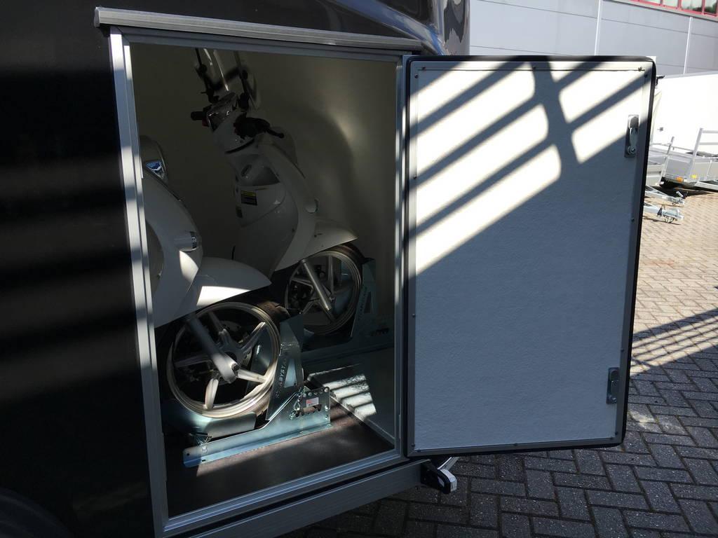 Easyline gesloten motortrailer 300x151x170cm Aanhangwagens Zuid-Holland 2.0 zijdeur