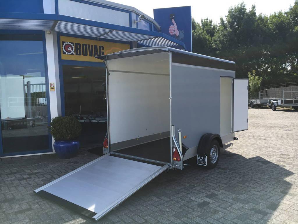 Easyline gesloten motortrailer 302x150x195cm Aanhangwagens Zuid-Holland achterkant oprijden 2.0