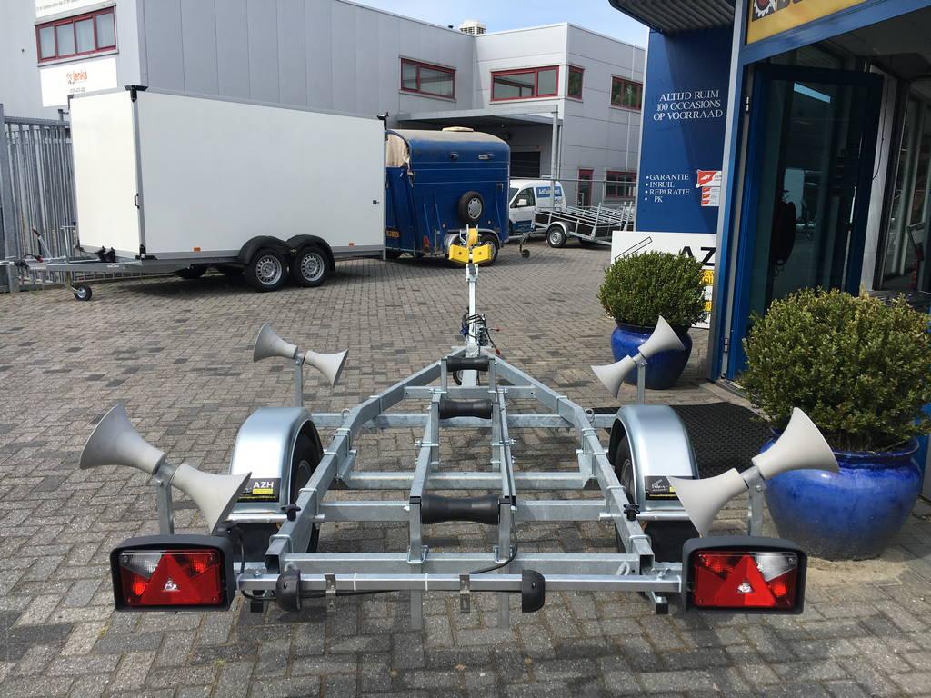 Pega rubberboottrailer 425x170cm Aanhangwagens Zuid-Holland achterkant