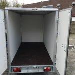 Easyline gesloten 249x122x150cm 750kg Aanhangwagens Zuid-Holland achterkant open 2.0