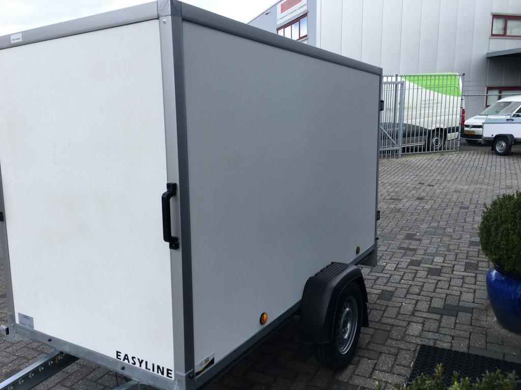 Easyline gesloten 249x122x150cm 750kg Aanhangwagens Zuid-Holland zijkant 2.0