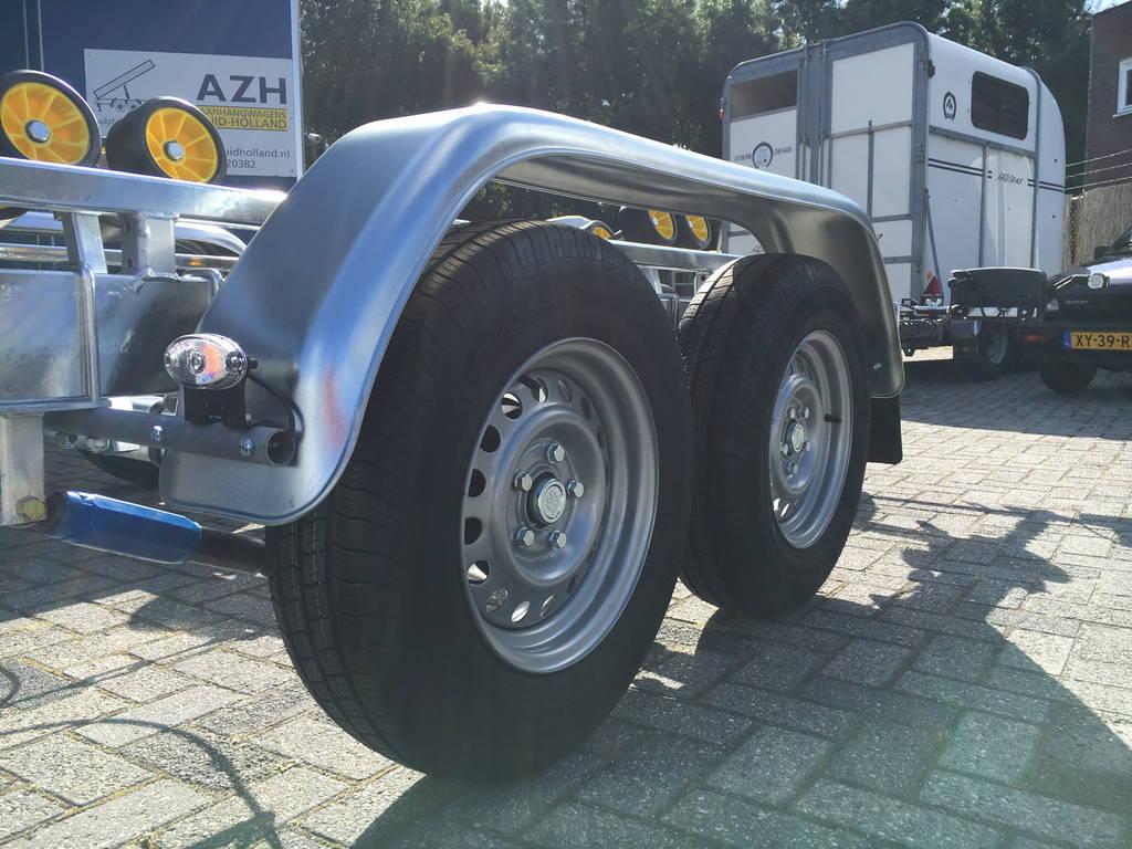 Pega Boottrailer 755x210cm Aanhangwagens Zuid-Holland banden