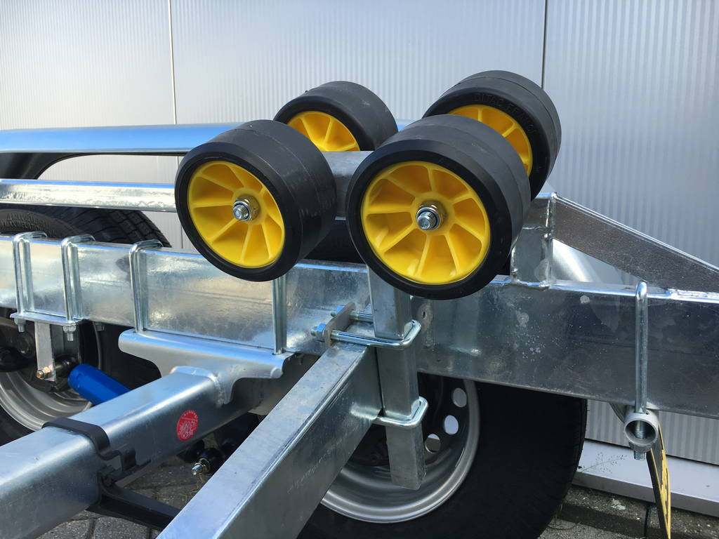 Pega Boottrailer 755x210cm Aanhangwagens Zuid-Holland kielrol klein