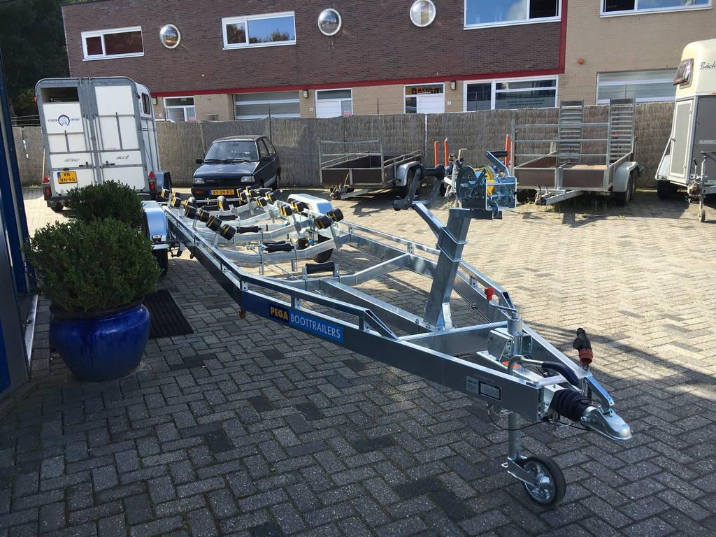 Pega Boottrailer 755x210cm Aanhangwagens Zuid-Holland voorkant